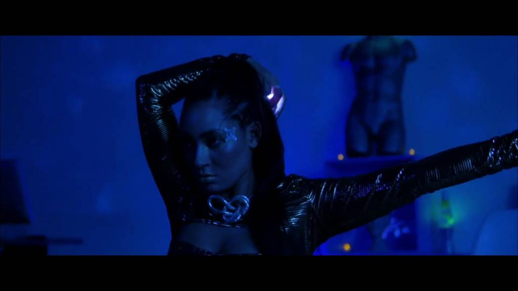 Video: Mackenta - Hypersensitive