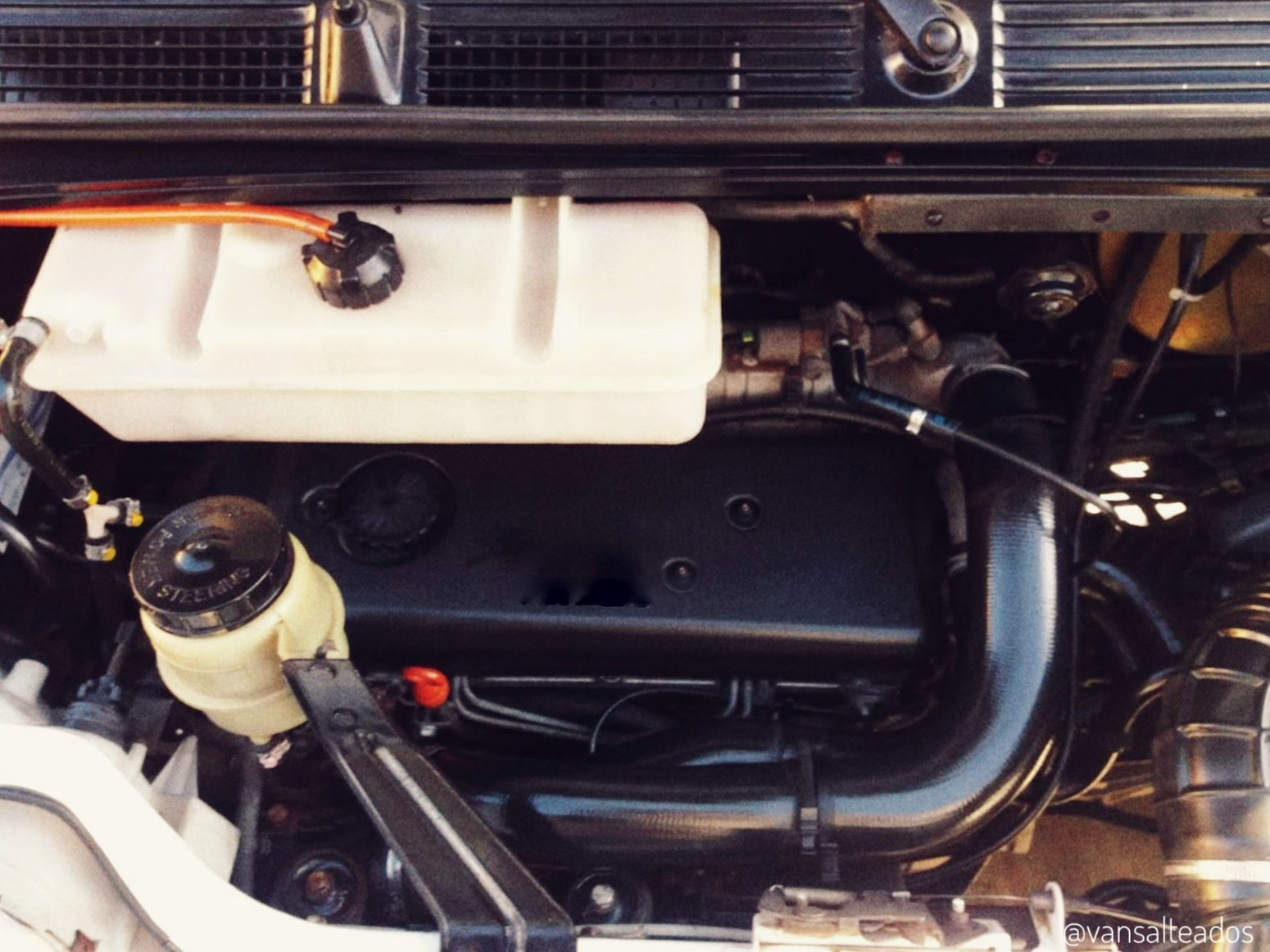 Motor de una autocaravana