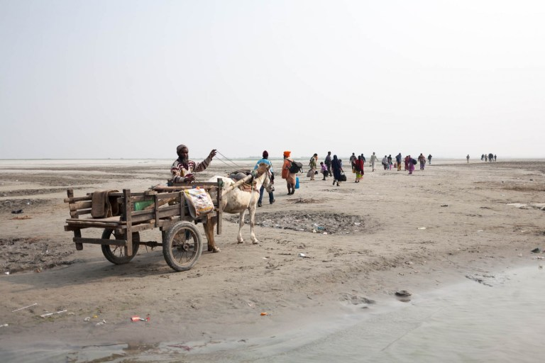 Písečná karavana na Brahmaputře