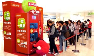 Vending Machine in Hong Kong - Colgate Green Apple Campaign