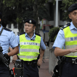 HONG KONG: Arresto di un uomo di 22 anni per la vendita illegale di e-liquidi alla nicotina.