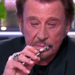 PERSONE: chi è il medico che ha spinto Johnny Hallyday a smettere di fumare la sigaretta elettronica?