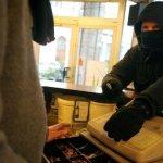 SOCIÉTÉ : Un braquage au couteau dans une boutique de cigarette électronique.