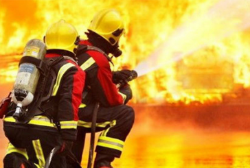 UNITED KINGDOM: 20 firefighters to fight against a factory e-liquid on fire.