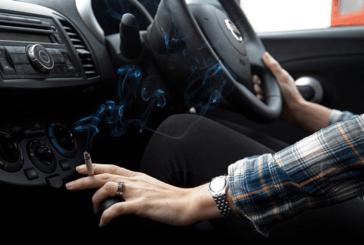 TUTORIEL : Nettoyer une voiture envahie par les méfaits du tabac.