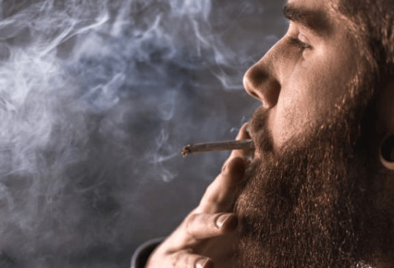 CANADA : Le cannabis, une difficulté supplémentaire dans l'abandon du tabagisme ?