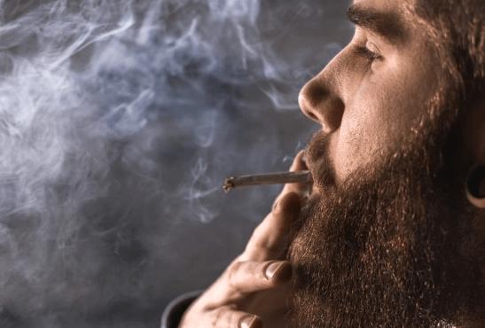 CANADA: la cannabis, un'ulteriore sfida per smettere di fumare?