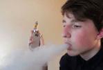 ΚΑΝΑΔΑ: Τα ηλεκτρονικά τσιγάρα κερδίζουν δημοτικότητα στα σχολεία.