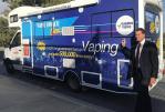 AUSTRALIA: A bordo de su autobús, un senador intenta defender el cigarrillo electrónico.