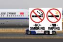 CHINA: No fumar y vapear a pilotos en cabinas.