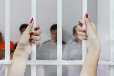 THAILAND: A tourist uses an e-cigarette and ends up in jail!