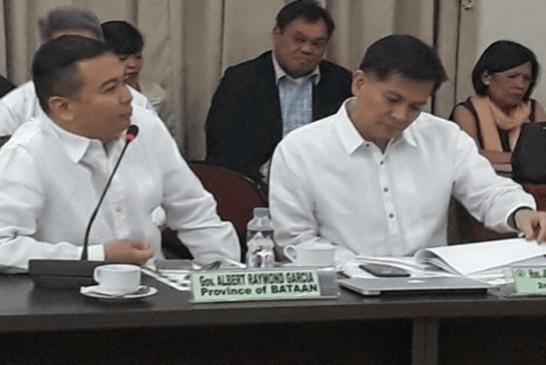 ФИЛИППИНЫ: Представитель призывает запретить электронные сигареты