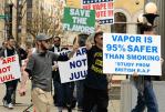 """ארה""""ב: המגנים של vape לבוא יחד נגד האיסור על טעמים עבור סיגריה אלקטרונית."""