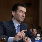 VS: Voor Scott Gottlieb heeft de FDA niet het juiste evenwicht gevonden in toezicht op e-sigaretten