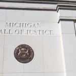 США: судья приостановил аромат Аромата за электронную сигарету в Мичигане