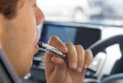 CANADA: Een damper veroordeeld voor het gebruik van e-sigaretten tijdens het rijden!