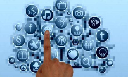 Trabaja en la red. Social networking