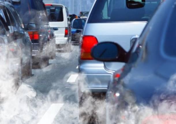 Risultati immagini per inquinamento auto