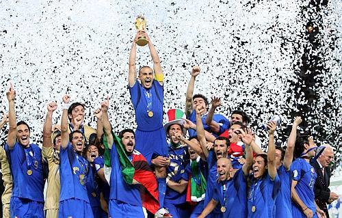 Kan Steven Gerrard løfte VM-trofeet?