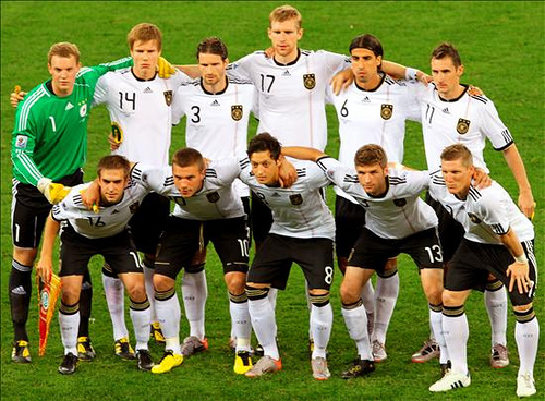 Adeus Brasil! Tyskland knuste Brasil!
