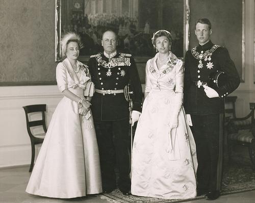 Kongefamilien i Stiftsgården (1958)