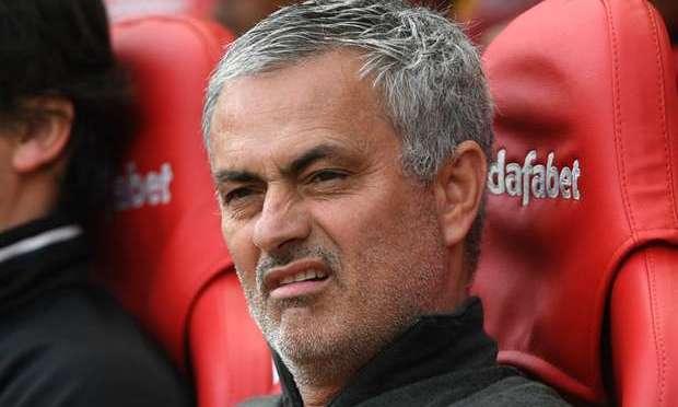 Mourinho klager på pengebruken