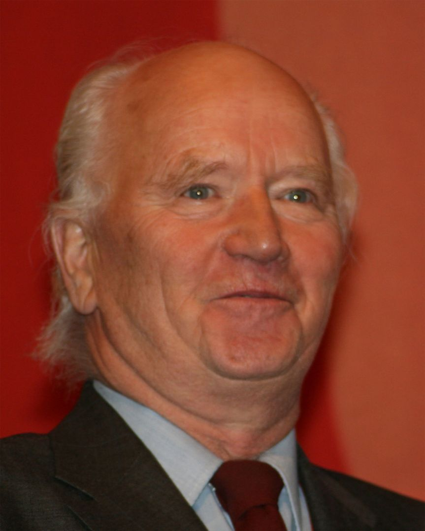 Thorvald Stoltenberg er død