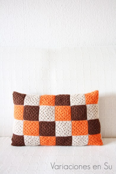 granny-squares-cushion-two-in-one