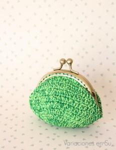 monedero-ganchillo-tonos-verdes-1