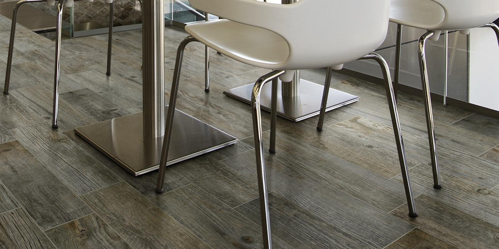tile flooring and backsplash installers
