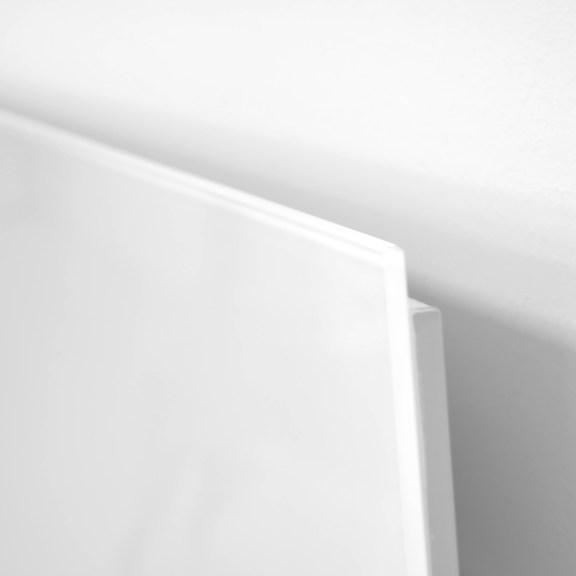 Ultraschlanker Glasheizkörper mit 2 cm Tiefe