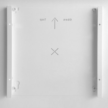 Mirror heating panel installation - fast and easy thanks to VASNER wall bracket