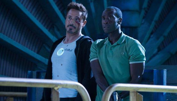 Tony y Rodhy viendo el partido en la tasca