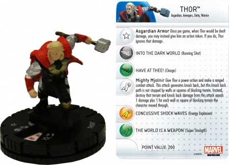 Thor repartiendo con su martillo.