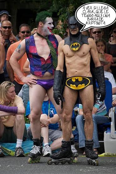 Empezó a juntarse con Batman y suscolegas, y eso no trae nada bueno