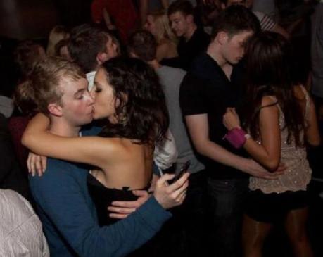 Al final acabarás queriendo más al WhatsApp que tu novia