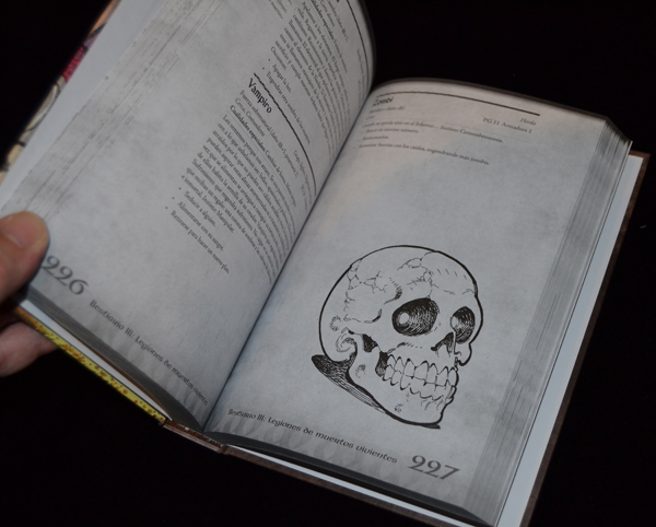 Un libro de letra pequeña.
