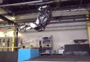 Boston Dynamics Robotların Neler Yapabileceği Hakkındaki Fikrinizi Değiştiriyor