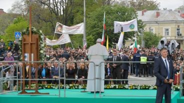 pope-francis--trip-in-bulgaria-and-northern-m-1557059328078.jpg
