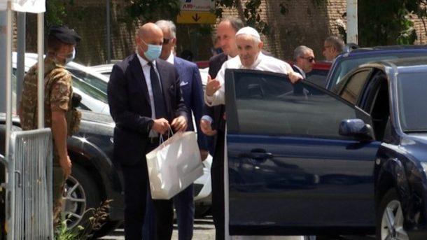 退院し、バチカンに戻られた教皇フランシスコ 2021年7月14日