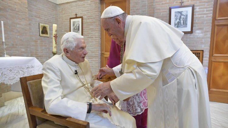 Visite du Pape François au Pape émérite Benoît XVI, juin 2018