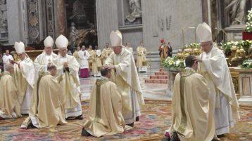 Tấn phong 4 giám mục