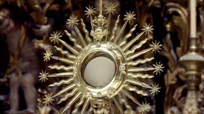 Mặt nhật Thánh Thể