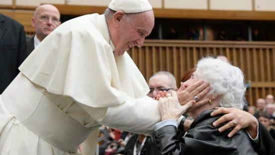 7月25日「祖父母と高齢者のための世界祈願日」に向け教皇メッセージ