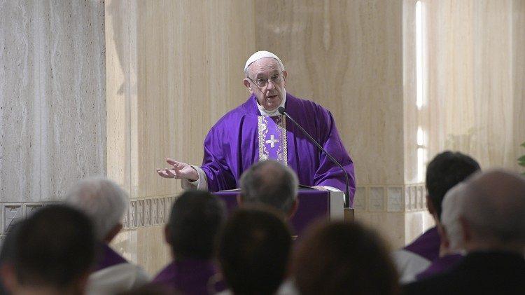 O Senhor nos perdoa se perdoarmos os outros, disse o Papa