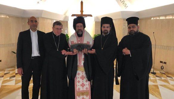Le cardinal Kurt Koch  et la délégation du patriarcat de Constantinople, avec le reliquaire