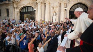 ĐTC gặp các bạn trẻ Cuba 2015