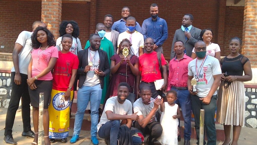 Young people in Malawi lead with parish contributions at an event - Vatican News