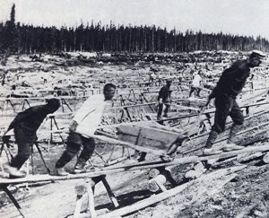 Prisoners at work in the Gulag