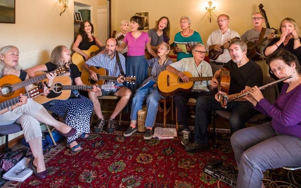 """WHAT A """"HOOT!""""   Songmakers brings together acoustic music enthusiasts from across the county"""